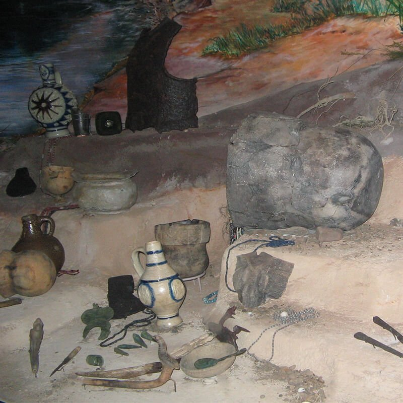 Susquehannock Artifacts PA State Museum {{PD-US}}